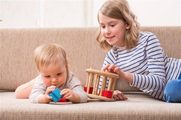 Играем с ребенком до года
