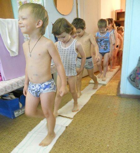 Закаливание детей дошкольного возраста. Солевая дорожка